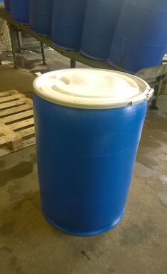 Recon 205ltr plastic clip top drum